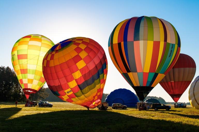 balloons-2347116_1920
